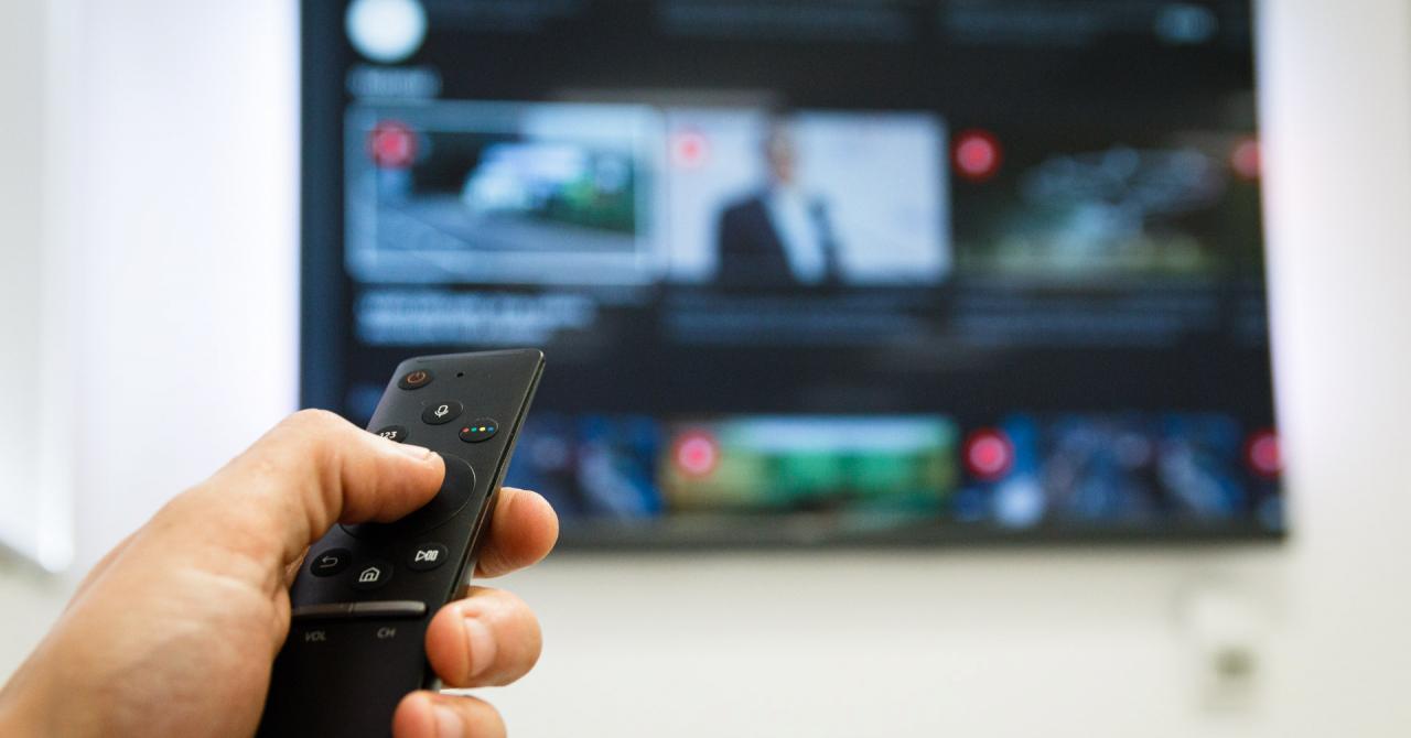 Știri audio: VoiceNews.ro oferă conținut curatoriat în format audio