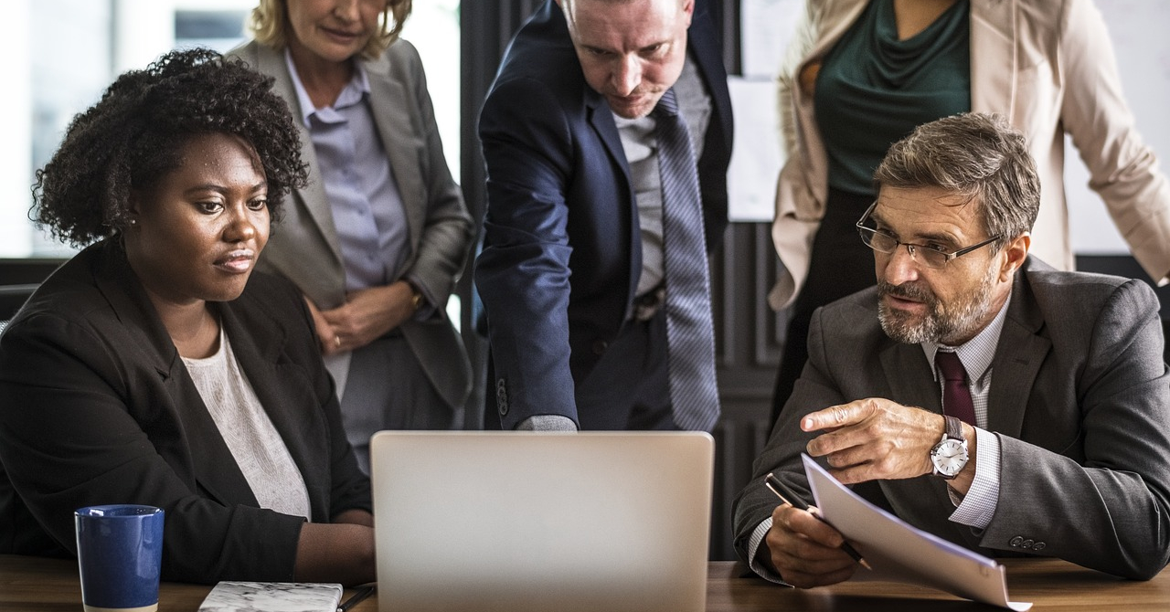 Școala de marketing digital lansează cursuri pentru companii