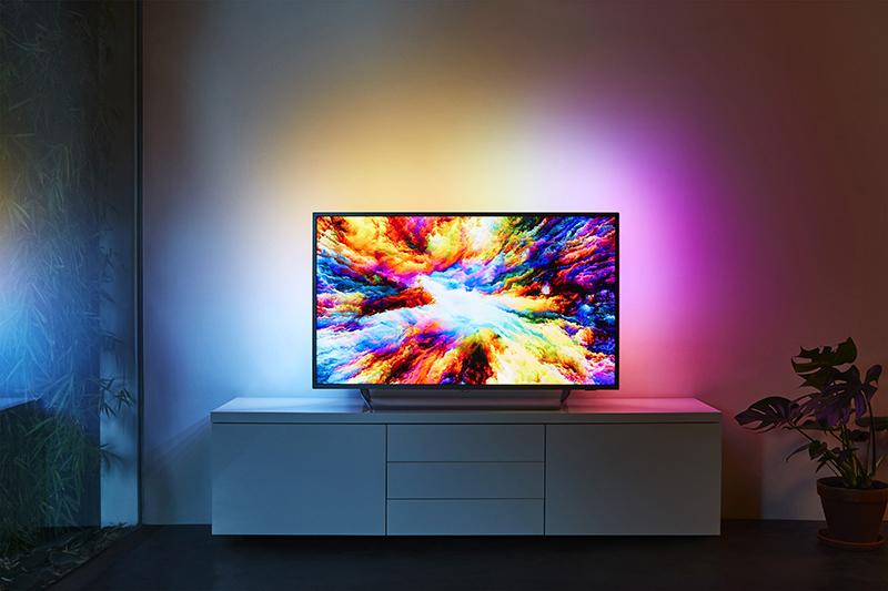 Philips 7303 este un TV cu preț decent și funcții premium