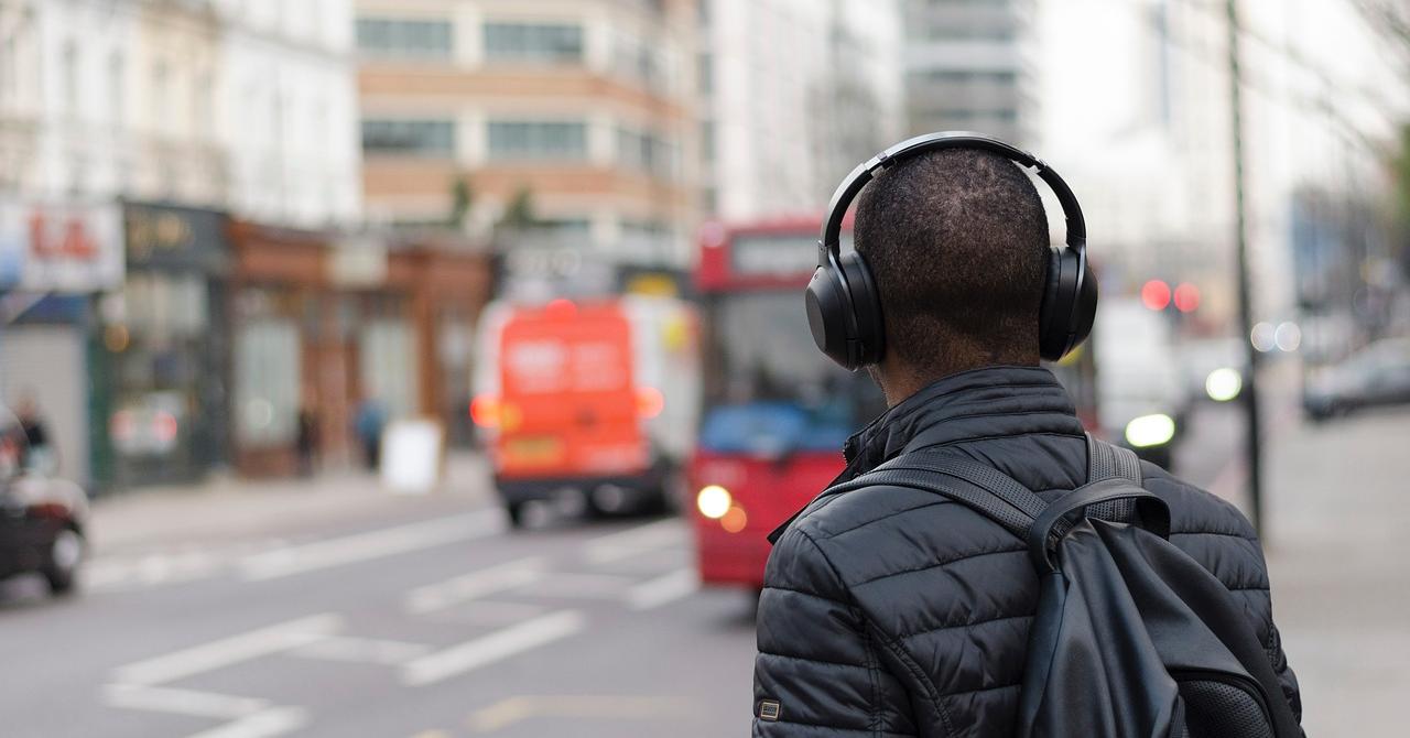 Cinci podcast-uri care te învață despre viața de antreprenor