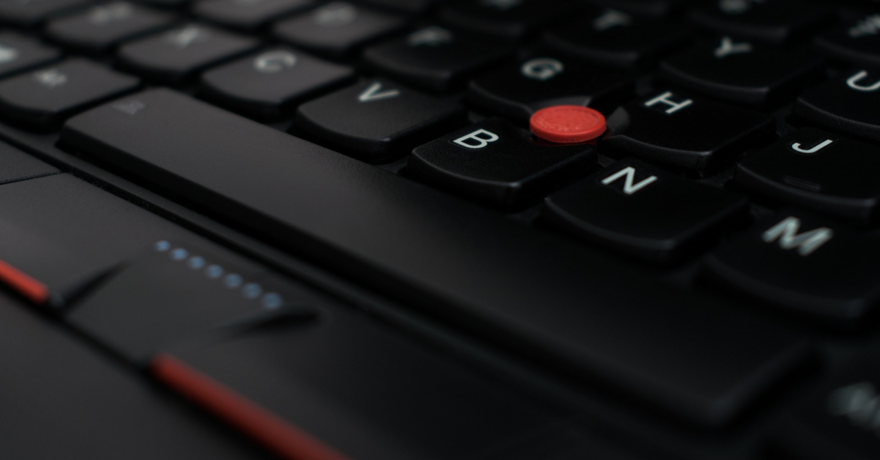 Creștere record pentru Lenovo pe divizia de PC-uri