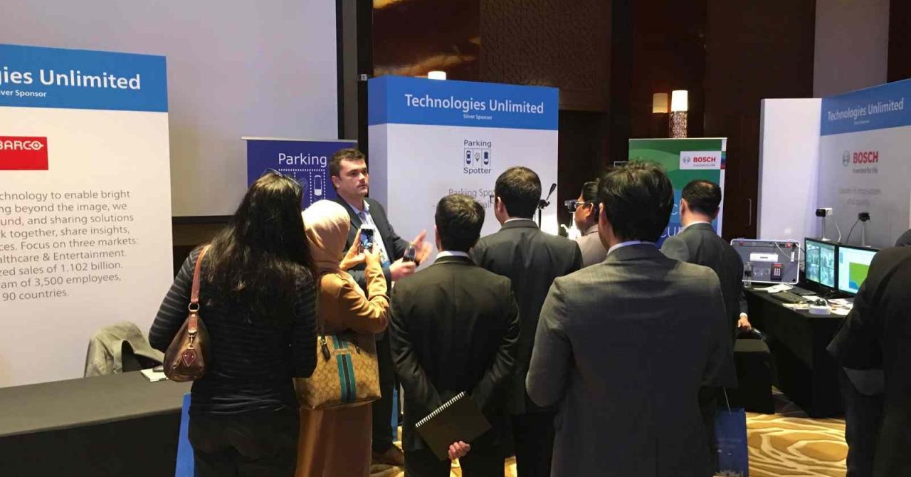 Clujenii de la Parking Spotter și-au prezentat soluția în Dubai