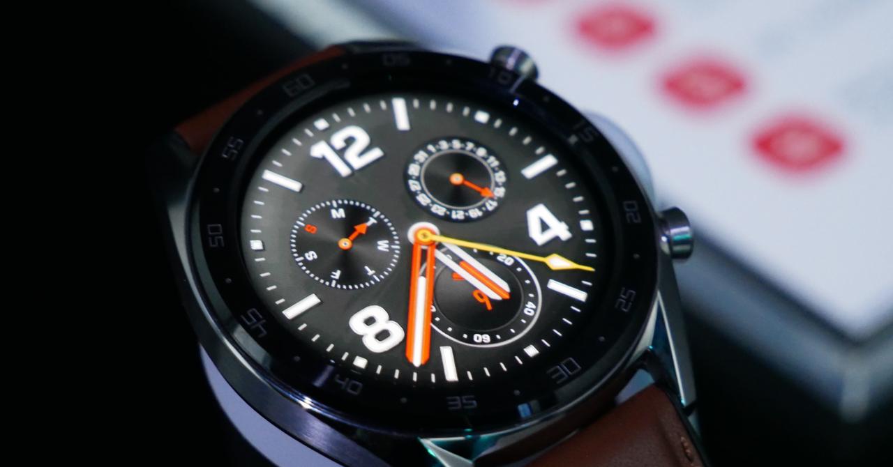 Huawei Watch GT costă puțin, dar rezistă mult