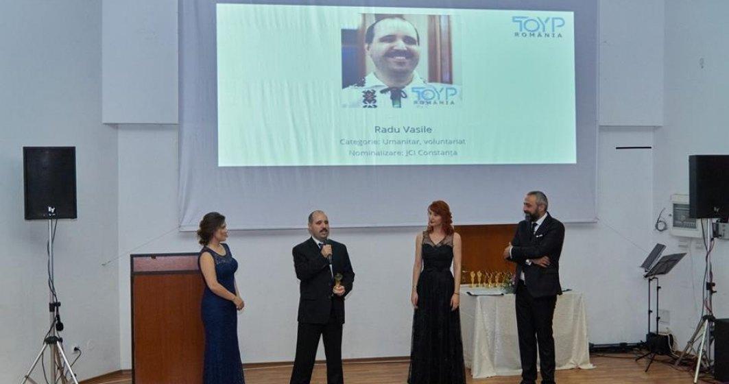 """Radu Vasile: """"Școala a însemnat trecerea de la întuneric la lumină"""""""
