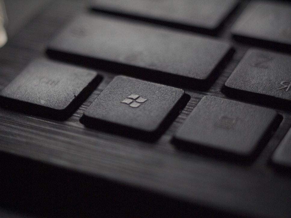 Microsoft lansează la Ignite produse de securitate și productivitate