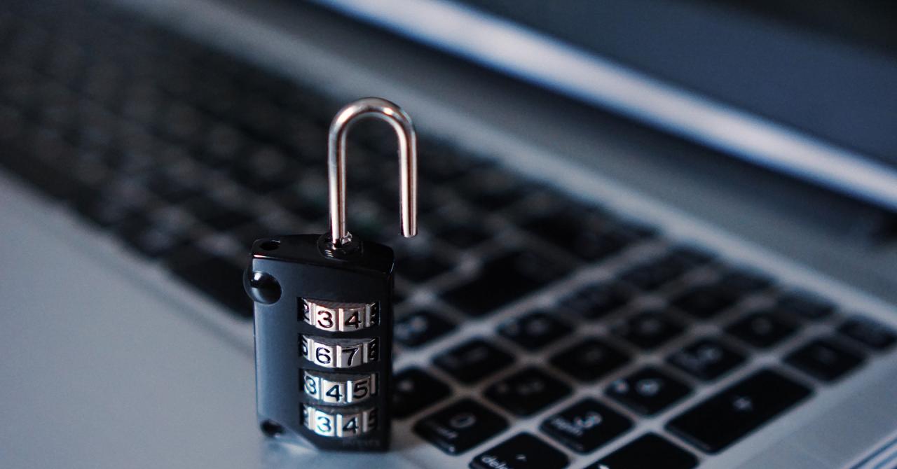 Cu Shopper, hackerii profită de pe urma persoanelor cu probleme de auz
