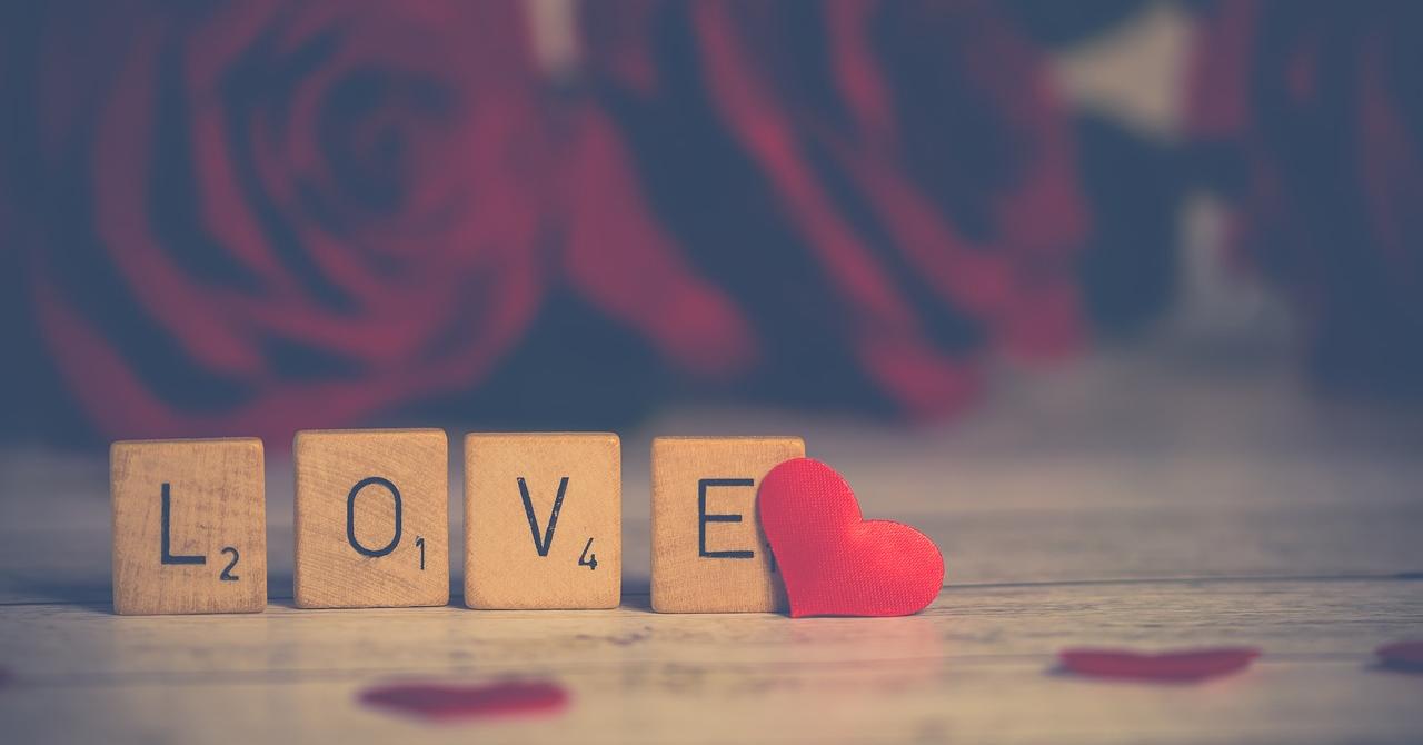 eMAG, reduceri de IT&Mobile Days: gadgeturi bune de Valentine's Day