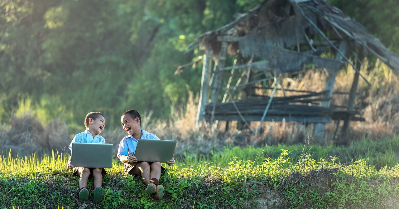 unPi, asociația care vrea să ofere calculatoare pentru toți copiii