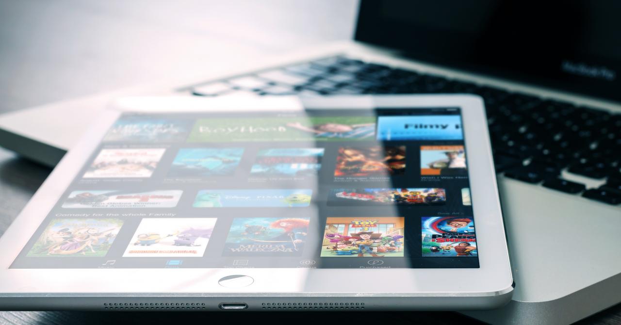 Seriale și documentare pe Netflix: Ce poți vedea luna aceasta