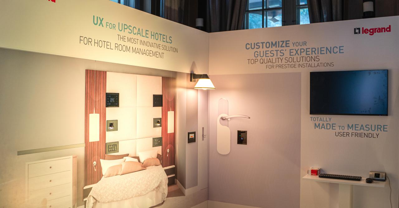 """La hotel ca în casa smart: soluție de tip """"smart home"""" pentru hoteluri"""