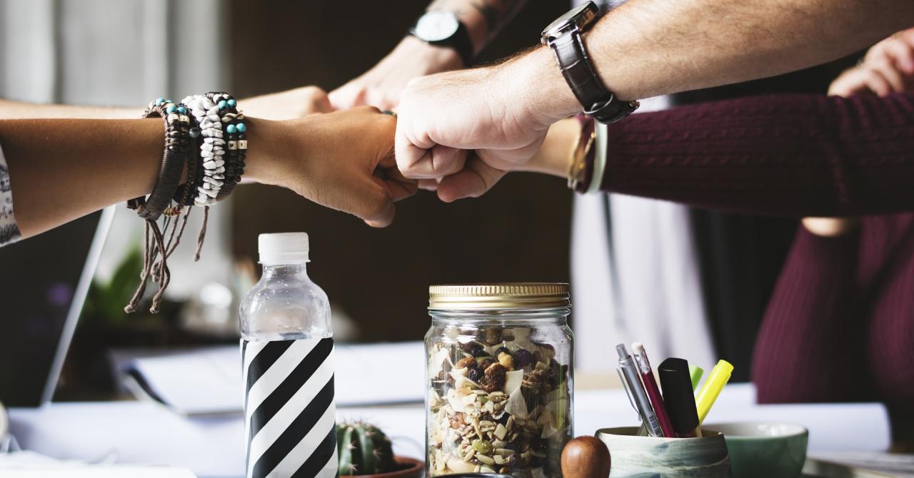Cum te asiguri că angajații tăi colaborează mai mult între ei