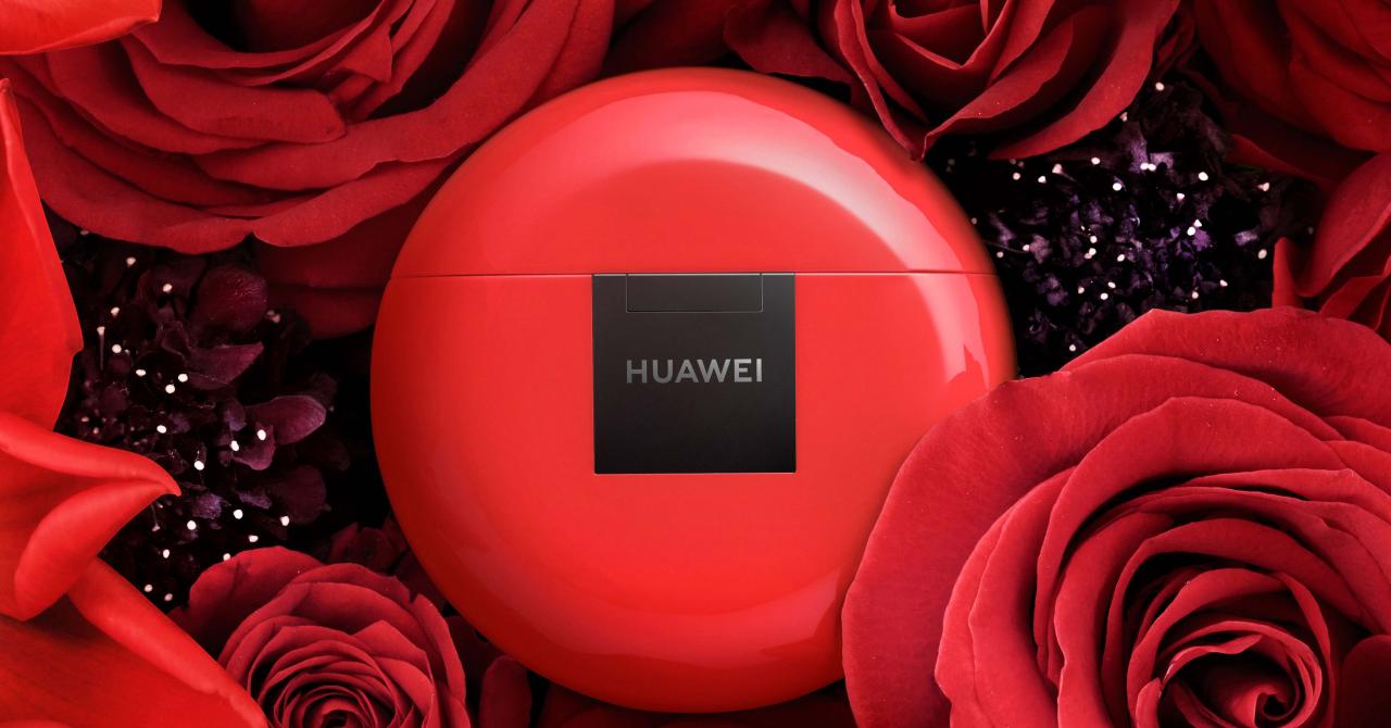 Valentine's Day la Huawei e toată luna: ofertă specială la căștile Freebuds 3
