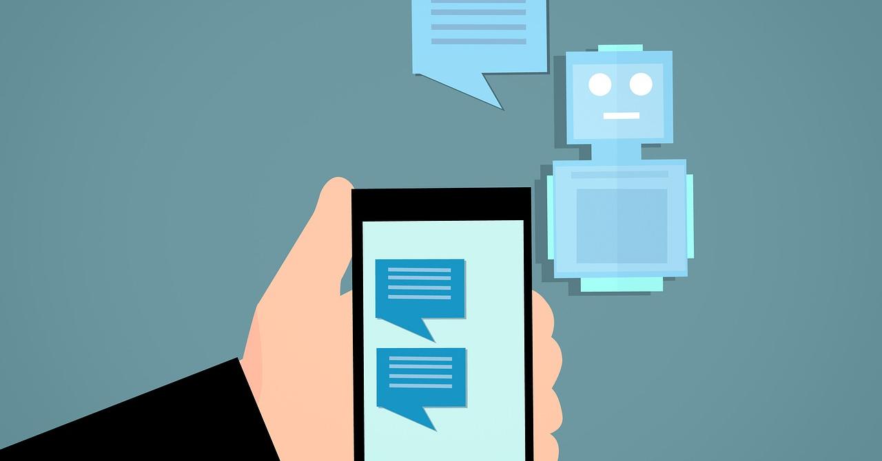 UiPath își creează o armată de roboței care să poarte conversații