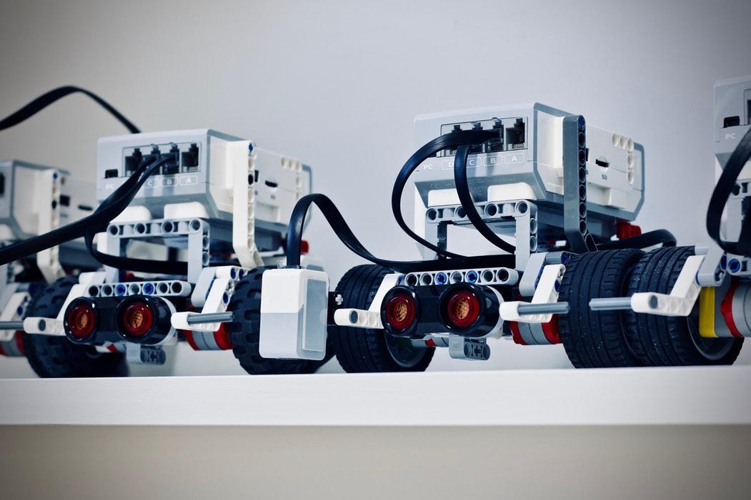 Roboții invadează Bucureștiul