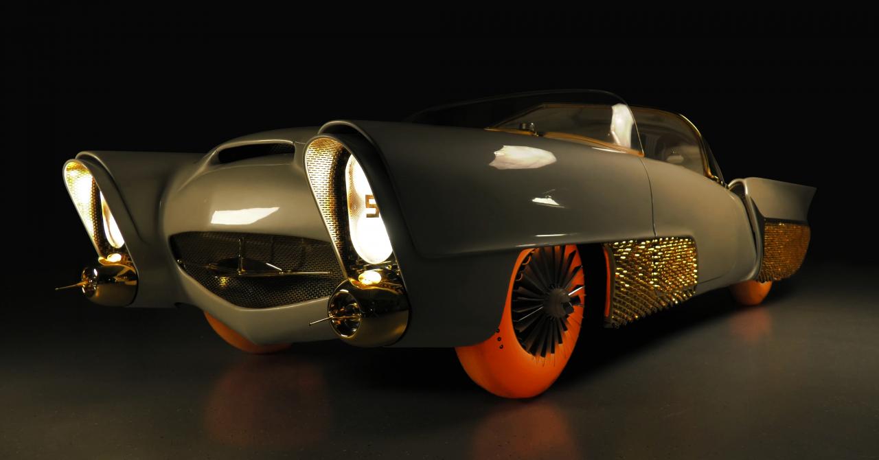 Un vehicul restaurat din anii '50 și un concept de anvelopă pentru mașinile zburătoare din viitor, aduse de Goodyear la Geneva International Motor Show 2019