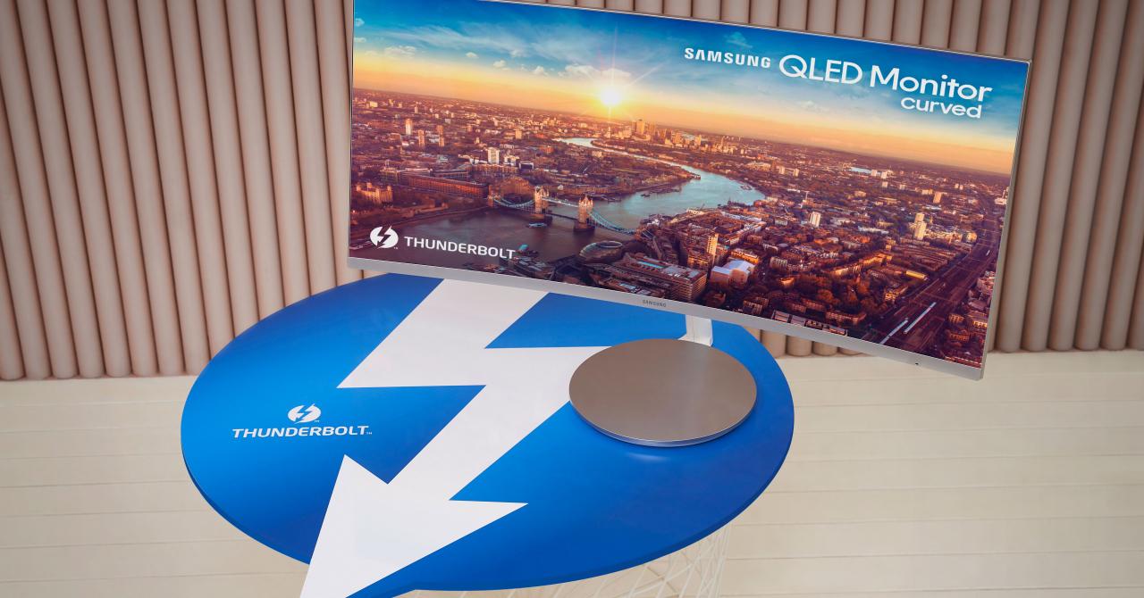 CES 2018: Samsung va lansa primul monitor curbat cu Thunderbolt 3