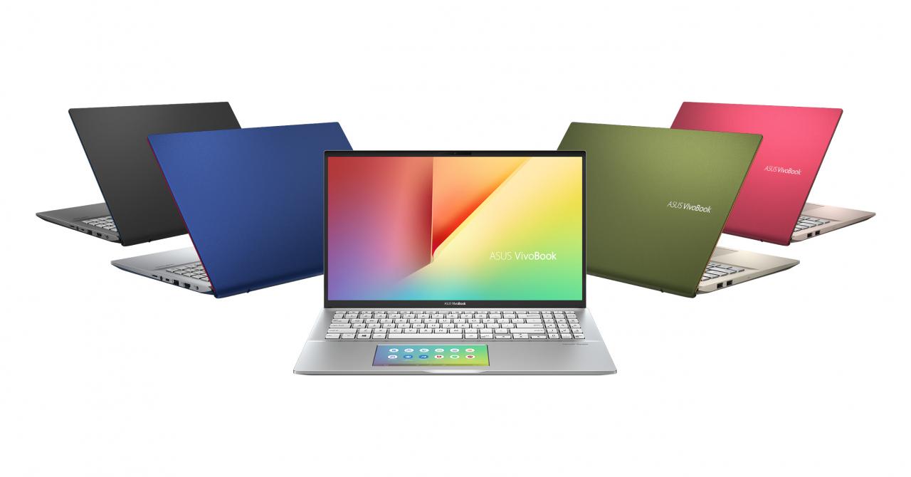 Asus aduce în România laptopul cu ecran în touchbar și carcasă roz