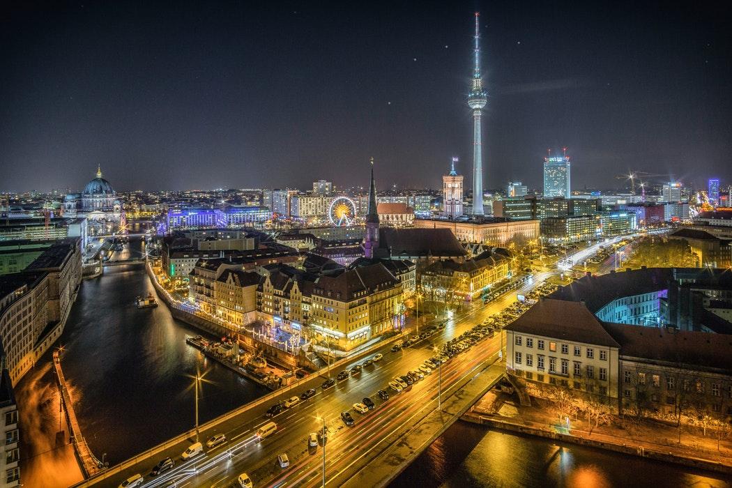 O nouă țară europeană investește miliarde de euro în AI