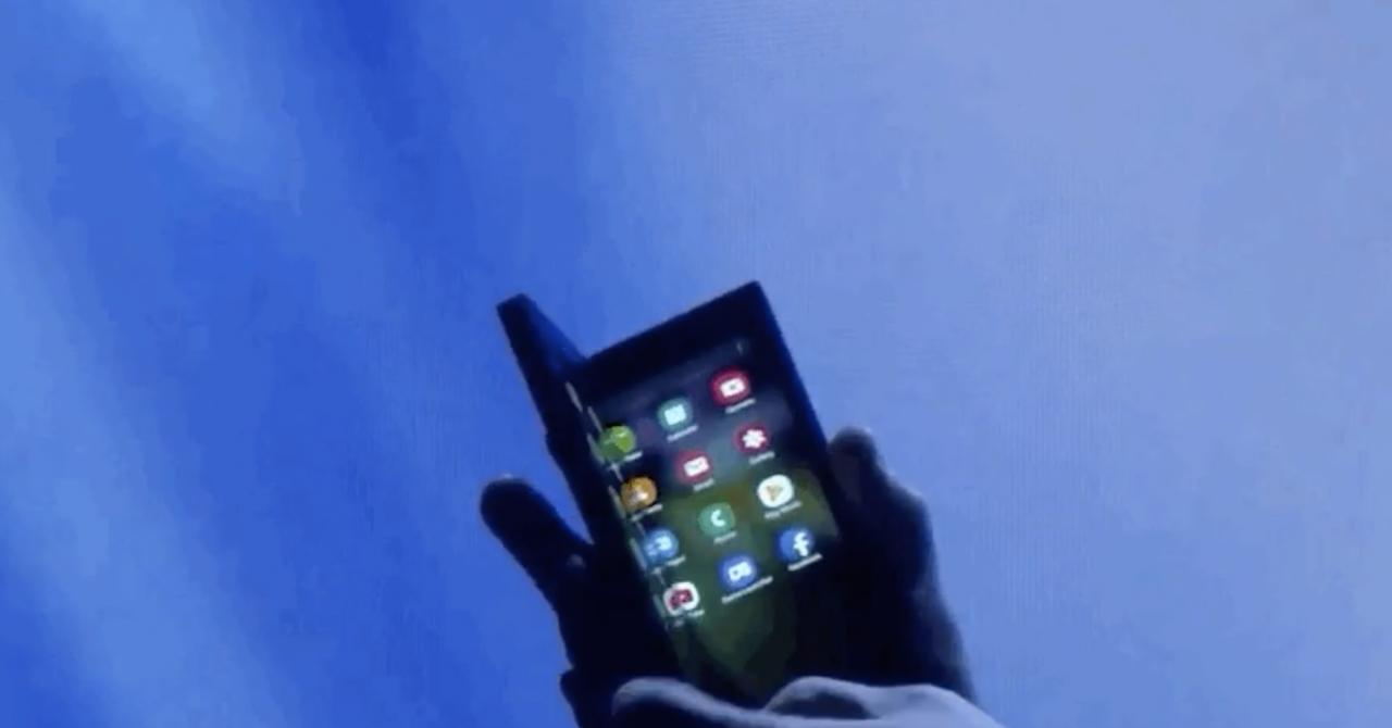 Samsung își prezintă viitorul: telefonul pliabil