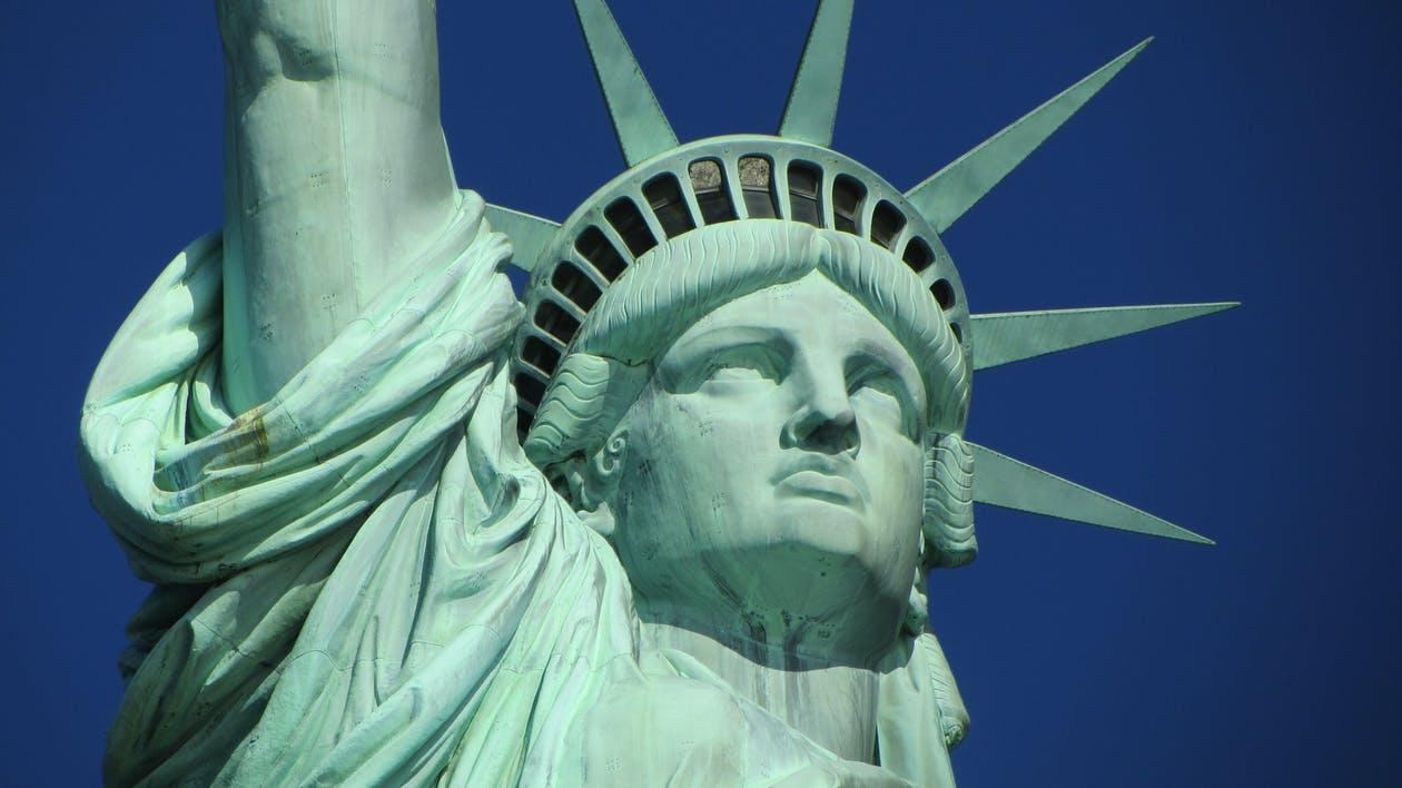 Cum lansezi un startup fiind imigrant