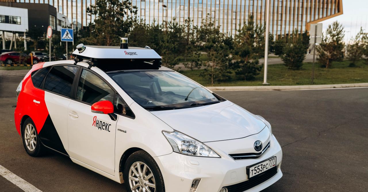 Primele taxiuri autonome din Europa se plimbă pe străzile din Rusia