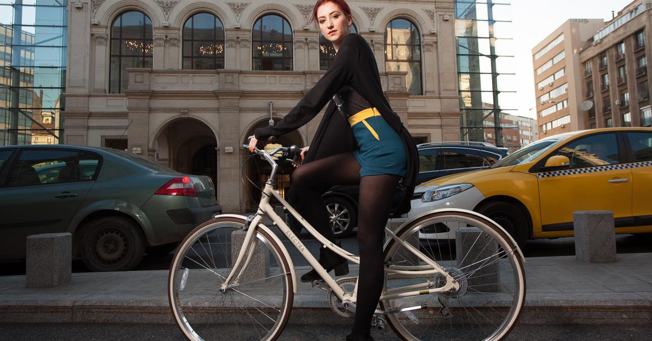 Prima colecție de haine românești pentru bicicliste urbane