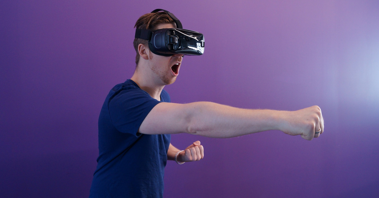 Franciză Univrse - cum poți avea o afacere de realitate virtuală?
