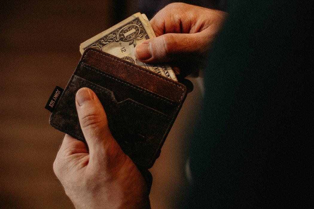 FINQware, românii care te ajută să-ți administrezi mai eficient banii