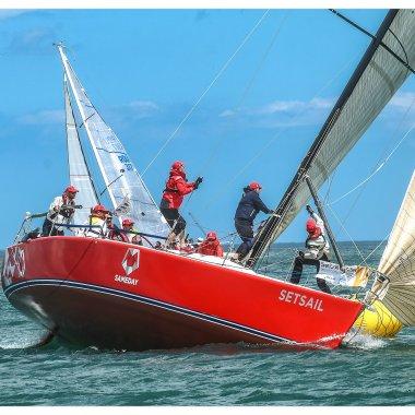 Pe aripile vântului. Povestea școlii de yachting SetSail