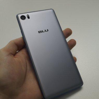 BLU Pure XR - afară-i vopsit gardul... [REVIEW]
