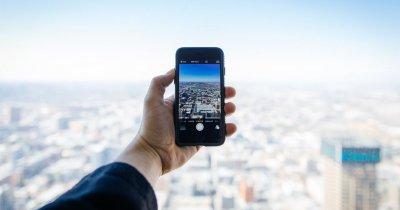 Ecranul de smartphone care se repară singur într-o zi
