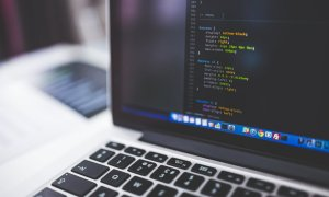 Cinci jocuri online gratuite care te învață să programezi