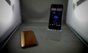 HTC U11, telefonul care vrea să fie strâns, lansat oficial în România