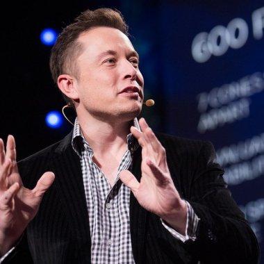 Ce vrăji mai face Elon Musk