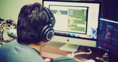 Școala gratuită de programare ACADEMY+PLUS, deschisă în București