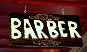 Cum se reinventează plăcerea masculină prin saloanele de bărbierit