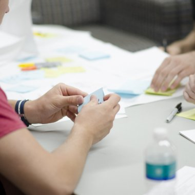 Cum să-ți dezvolți produsul ca un UX designer - ce înseamnă ideația?