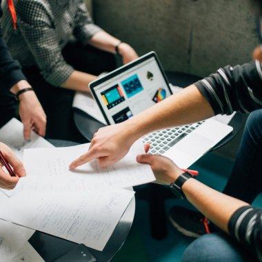 Bani românești pentru startup-uri, Startup Your Life – Business Report