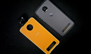 Review Motorola Moto Z2 Play - distracția e pe bani