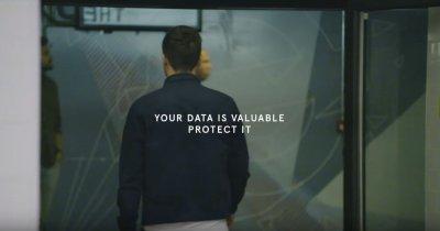 Data Dollar: Un magazin te lasă să cumperi cu datele tale personale