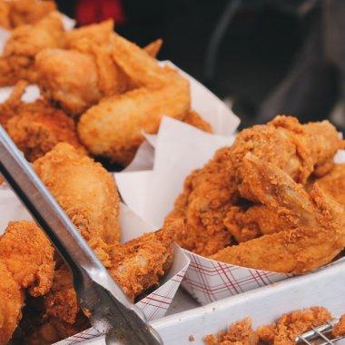 În loc de aripioare, cumpără acțiuni de la KFC