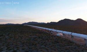 Richard Branson investește în Hyperloop One