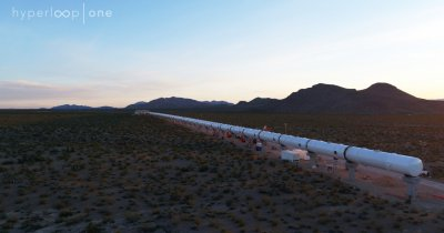 Richard Branson investește în Hyperloop One