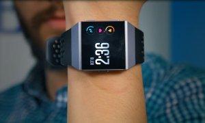 Review Fitbit Ionic: mai mult instrument de health decât ceas