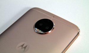 Review Motorola Moto G5s Plus - upgrade discret cu accente premium