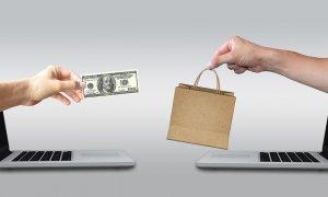 Românii, fără competențe digitale, dar fani ai shopping-ului online