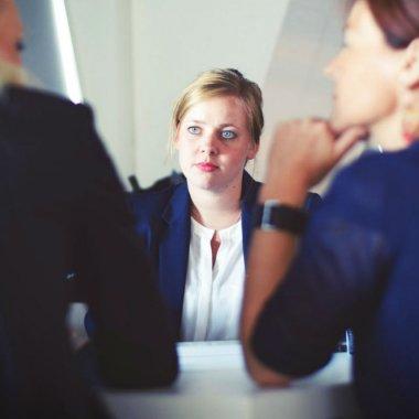 1 din 7 angajați va pleca din firmă. Cum îl convingi să rămână?