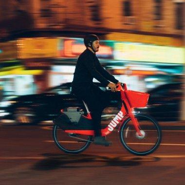 Uber JUMP, serviciul de închiriat biciclete electrice, vine în Europa