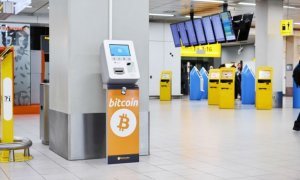 Schimbă euro pe bitcoin: bancomat de cripto într-un aeroport european