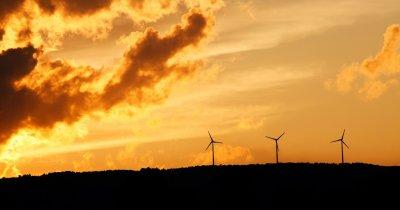 Aproape 4 mild. dolari pentru investiții în energie curată